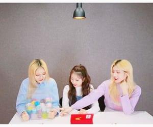 yeojin, loonatheworld, and jinsoul image
