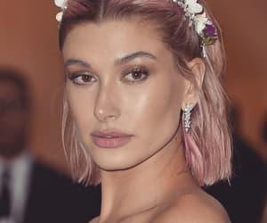 makeup, model, and met gala image