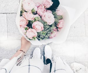 aesthetic, pink, and bouquet image