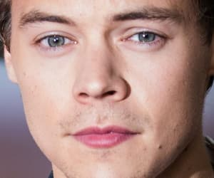 beautiful face, green eyes, and harold image