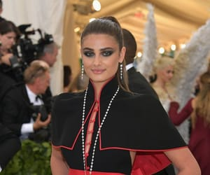 angel, fashion, and taylor hill image