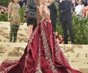 blake lively, fashion, and met gala image