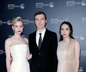 Carey Mulligan, paul dano, and Zoe Kazan image
