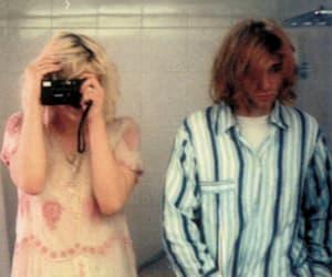 kurt cobain, Courtney Love, and nirvana image
