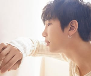 k-pop, love yourself 轉 'tear', and rm image