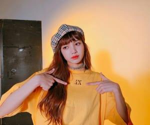k-pop, rose, and jennie image