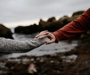 photography, love, and holding hands image