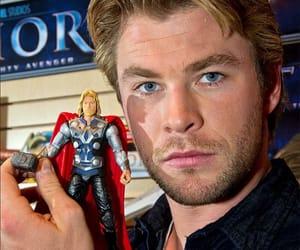thor, chris hemsworth, and Avengers image