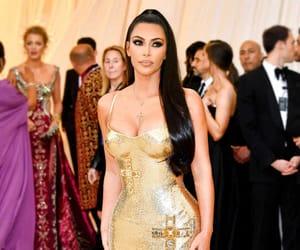 kim kardashian and metgala image