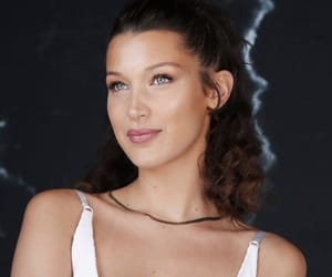 pretty, style, and bella hadid image