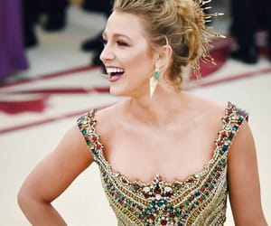 blake lively and beauty image
