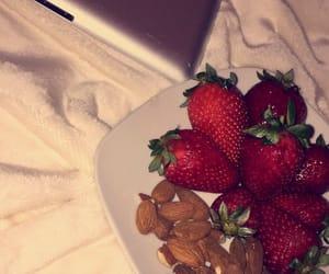 amande, food, and fraises image