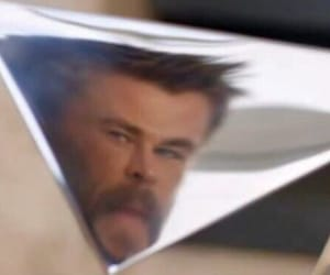 meme and chris hemsworth image