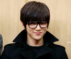 glasses, infinite, and kpop image