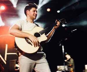 guitar, niall horan, and flicker tour image