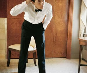 cole sprouse and met gala image