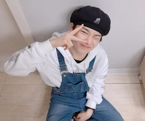 jeongin, stray kids, and kpop image