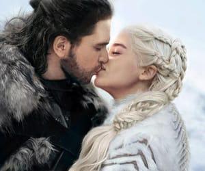 jon snow and daenerys targaryen image