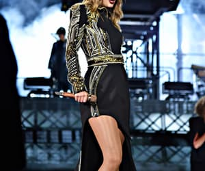 Taylor Swift, Reputation, and singer image