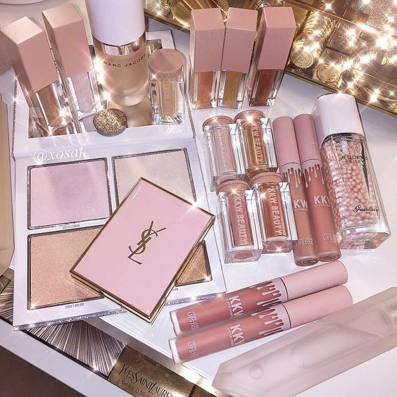 Articles about Kylie Cosmetics on We Heart It