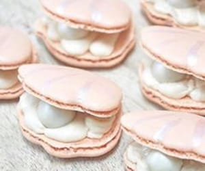 pearl, pink, and ‎macarons image