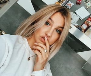 blogger, blonde, and ema louise image