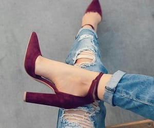 heels, salto, and high shoes image