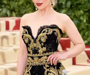 emilia clarke, met gala, and game of thrones image