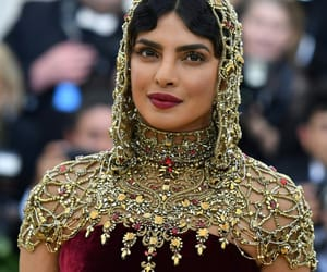 bollywood, priyanka chopra, and met gala image
