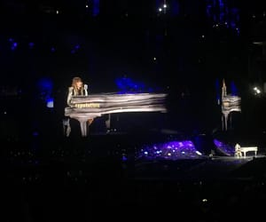 concert, taylorswift, and swifties image