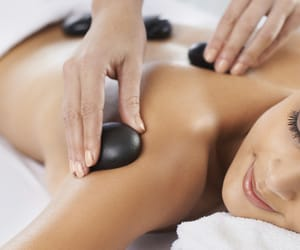 body massage, massage parlour, and best spa in green park image