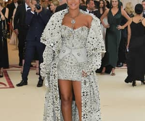rihanna, met gala, and beauty image