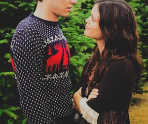 couple, seth cohen, and summer roberts image