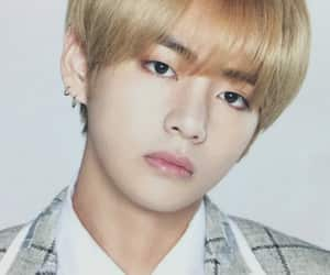 bts, kim taehyung, and v image