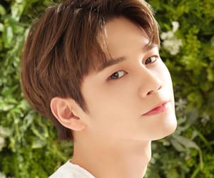 wanna one, seongwoo, and korea image