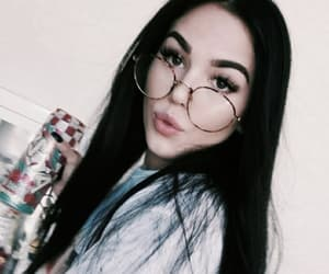 glasses, tumblr, and maggie lindemann image