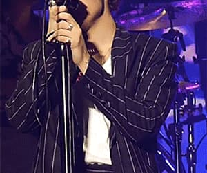 gif, harrystyles, and Harry Styles image