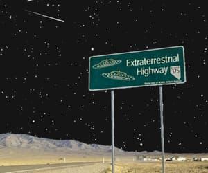 gif, alien, and ufo image