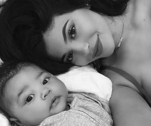 selfie, kyliejenner, and cute image