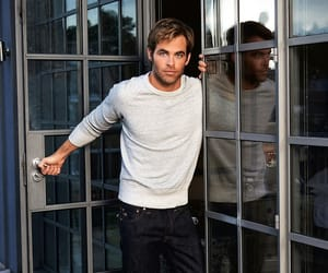 chris pine, actor, and Hot image