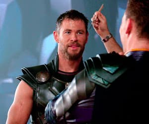gif, chris hemsworth, and actor image