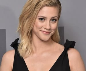 lili reinhart and riverdale image