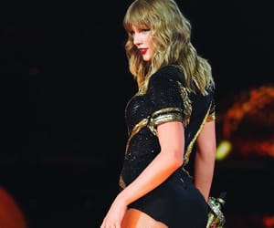 Taylor Swift, rep tour, and reputation tour image