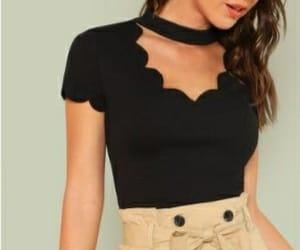 camiseta, collar, and negro image