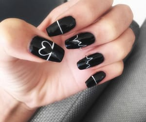 My VERY OWN NAILS! My heart literally beats for them