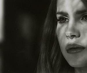 lana del rey, blue jeans, and black and white image