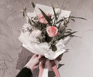 tumblr inspiration, flowers roses plants, and bouquets luxury glamour image