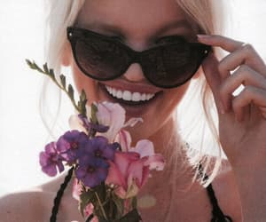 flowers, daphne groeneveld, and blonde image