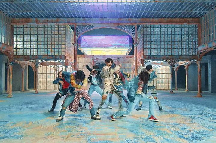 BTS 'FAKE LOVE' ENGLISH LYRICS & ROMANIZATION