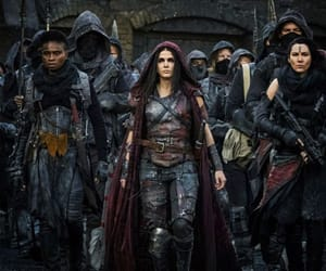 Queen, red queen, and the 100 image